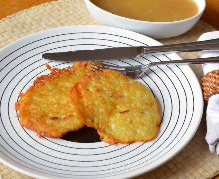 Reibekuchen oder Kartoffelpuffer